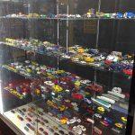 ◆おもちゃコーナー(ミニカー)ショーケースの紹介◆
